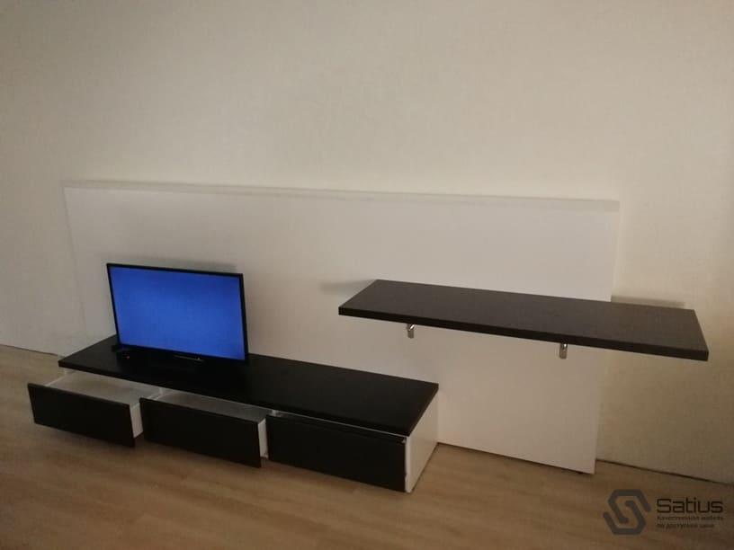 5b1e8d6d7ba3e_tumba pod televizor napol'naya_satius70